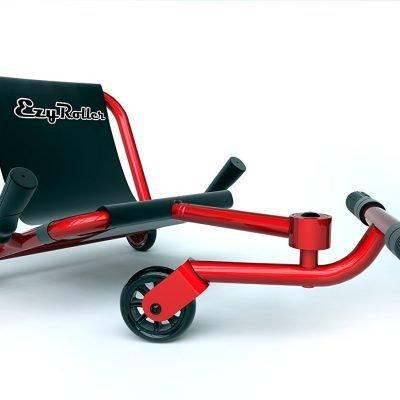 Patinete que combina el control de una bicicleta y la diversión de un patinete o scooter